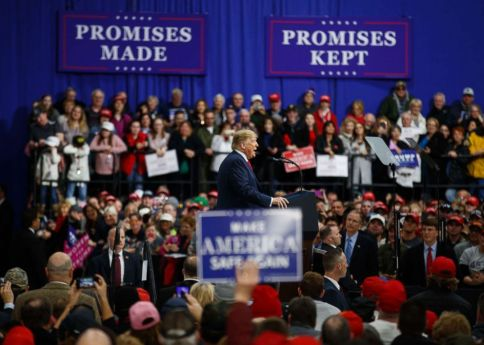 ap_trump_rally_180310_7x5_992
